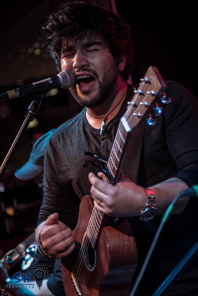 john-melo-singer-songwriter-musician-musiker
